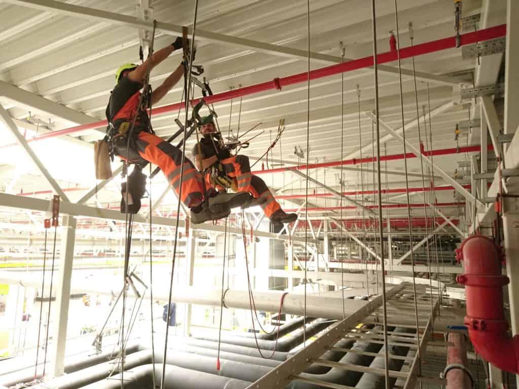 Montaż konstrukcji stalowych, prace na wysokościach, Climbnet